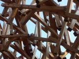 verworrene Holzkonstruktion